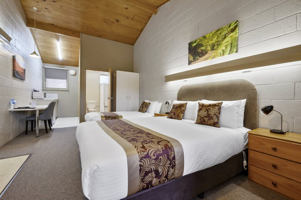 1 Double 1 Single Accessible - Tasmania Queenstown Accommodation - Gold Rush Inn