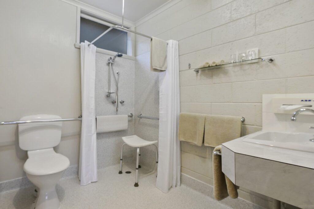 Accessible Bathroom - Tasmania Queenstown Accommodation - Gold Rush Inn