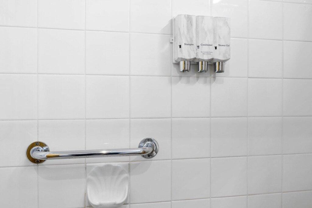 Bathroom amenities Queen Superior - Tasmania Queenstown Accommodation - Gold Rush Inn